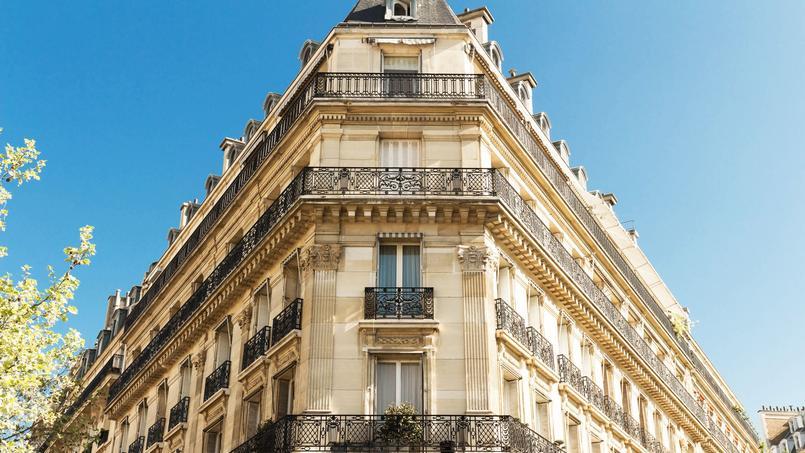 La base de données de Bercy renseigne entre autres le prix de vente, hors frais d'agence et droits de mutation, des transactions