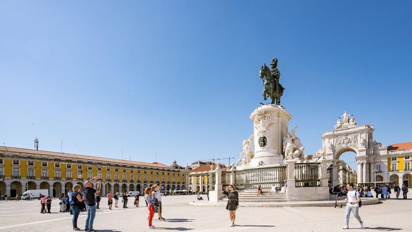 La Praça do Comércio (Place du Commerce) à Lisbonne.