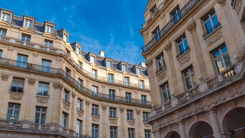 Le Conseil de Paris a voté en faveur du retour de l'encadrement des loyers dans la capitale