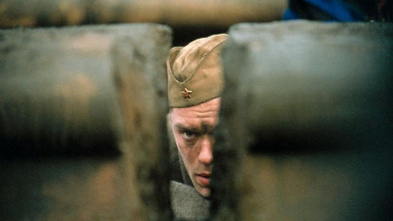 «Stalingrad» est inspiré de la véritable histoire du tireur d'élite soviétique Vassili Zaïtsev interprété par Jude Law.