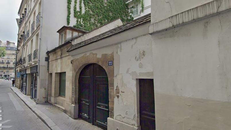 Vue du porche du 22, rue de Bièvre dans le 5e arrondissement de Paris.