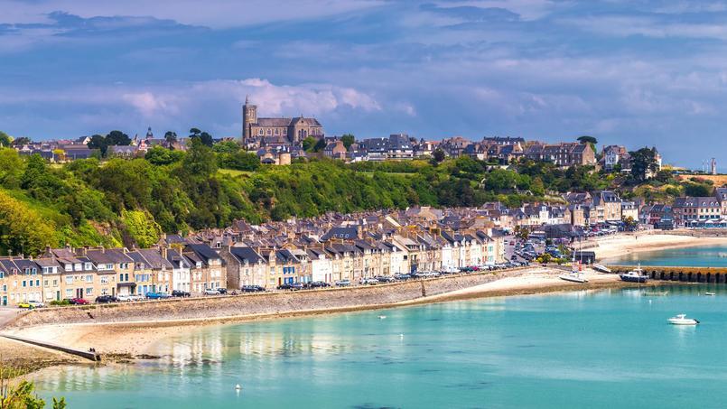 Vue de la commune de Cancale, située dans la Baie du Mont Saint-Michel en Bretagne, région comptant le plus de propriétaires en France.