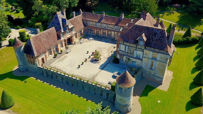 Ce château normand du 16e siècle recherche son nouveau châtelain