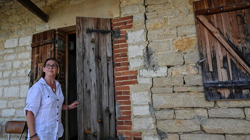 Une habitante de Savigny-en-Revermont (Saône-et-Loire) déplore la dégradation de sa maison