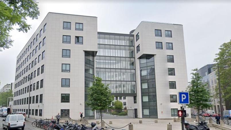 Un immeuble qui abrite une partie des effectifs d'Orange dans le 15e arrondissement de Paris