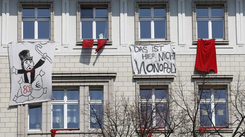 «Ceci n'est pas un Monopoly», peut-on lire sur une banderole de protestation de l'envolée des loyers à Berlin
