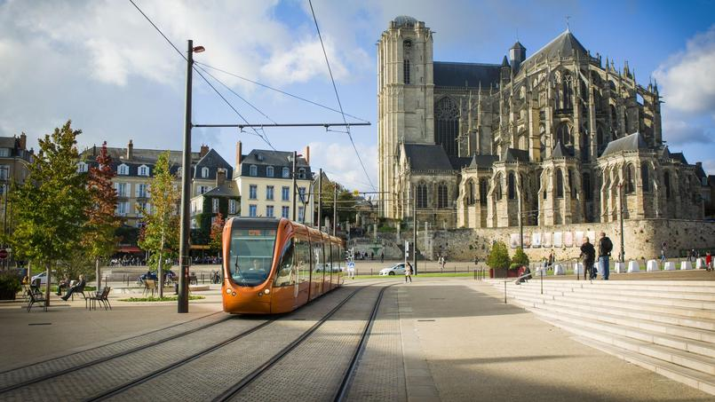 Au Mans, vous pouvez vous offrir un 145 m² si vous empruntez 215.000 euros (1,3% sur 20 ans).