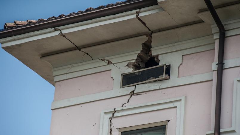 Une maison de Mirandola, en Italie, après le tremblement de terre de 2012 (image d'illustration).