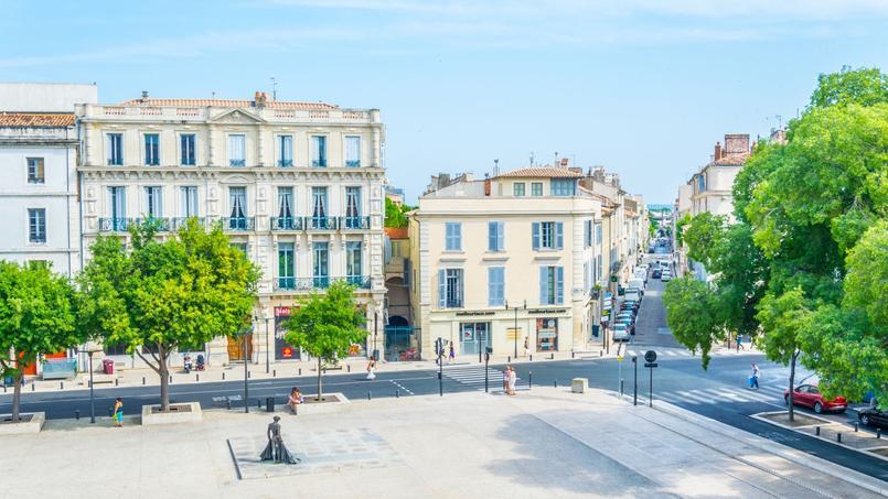 C'est à Nîmes (ici, la place des Arènes) que le pouvoir d'achat immobilier a le plus augmenté en 2019