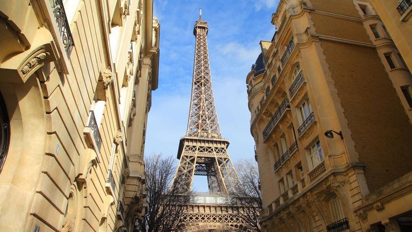 Le prix d'un logement avec vue sur la Tour Eiffel peut rapidement s'envoler