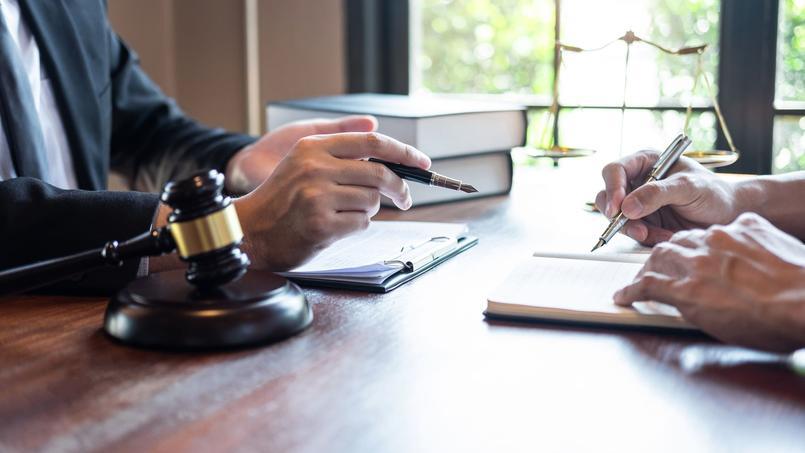 La question de la signature à distance des actes notariés a longtemps posé question.