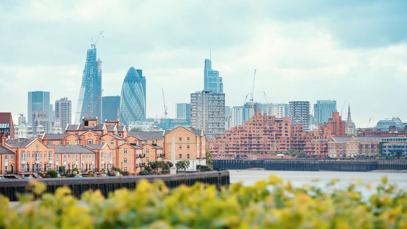 Certains agents immobiliers britanniques parlent déjà de crash <i>(ici, vue de Londres et des Docklands).</i>