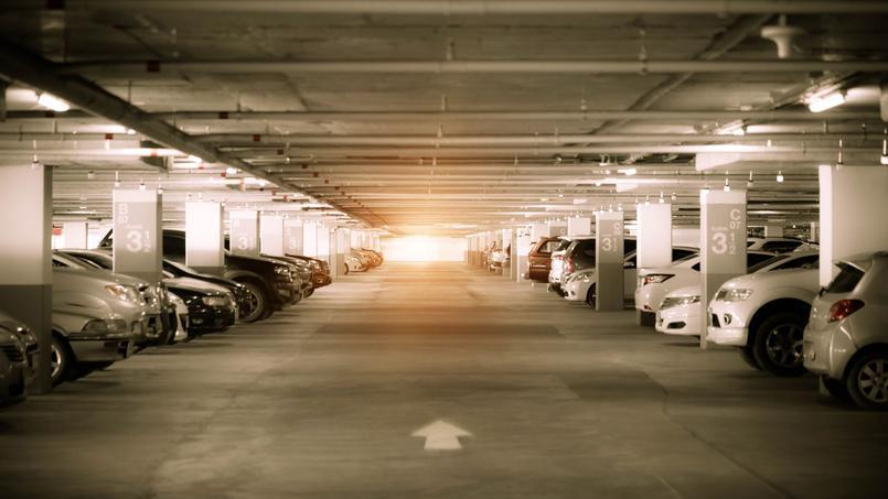 En Ile-de-France, rares sont les places de parkings qui se louent plus de 100 euros par mois. À Paris, c'est monnaie courante.