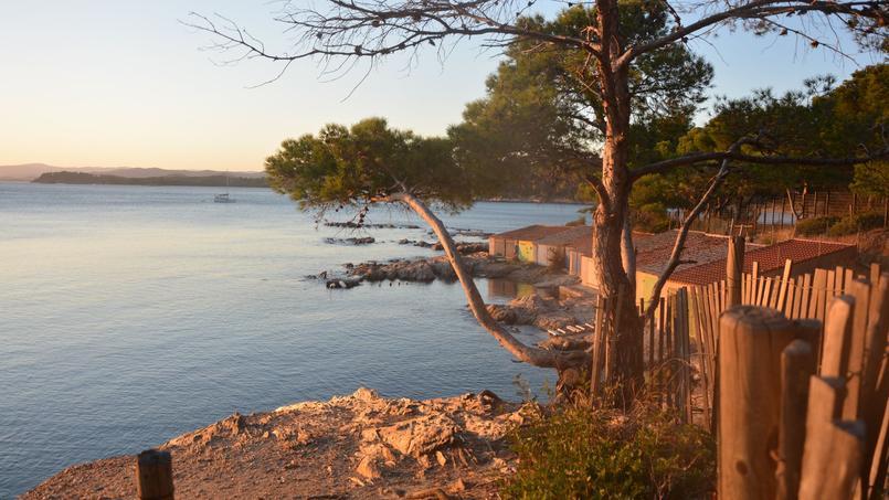 La plage de Cabasson, du nom du hameau situé dans la commune de Bormes-les-Mimosas
