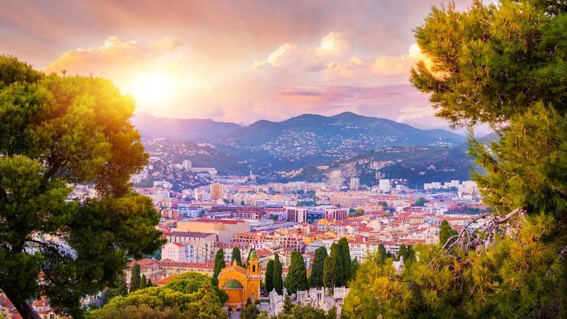 C'est dans le cadre idyllique de Nice que s'est déroulée cette sombre affaire d'interversion de logement à vendre.