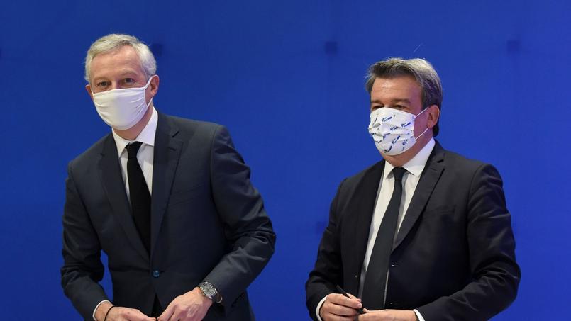 Bruno Le Maire, ministre de l'Économie et des Finances, aux côtés d'Olivier Salleron, président de la Fédération française du bâtiment