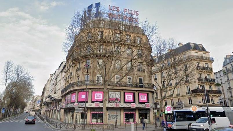 L'édifice de 6500 m² est occupé par Tati depuis 1948