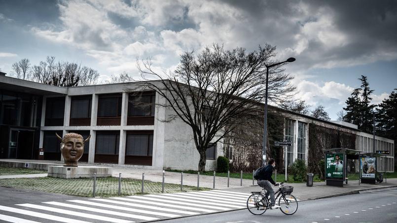 Les deux enseignants de Sciences Po Grenoble sont sous protection, annonce Gérald Darmanin, ministre de l'Intérieur