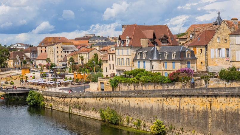 Vue de Bergerac, au bord de la Dordogne.