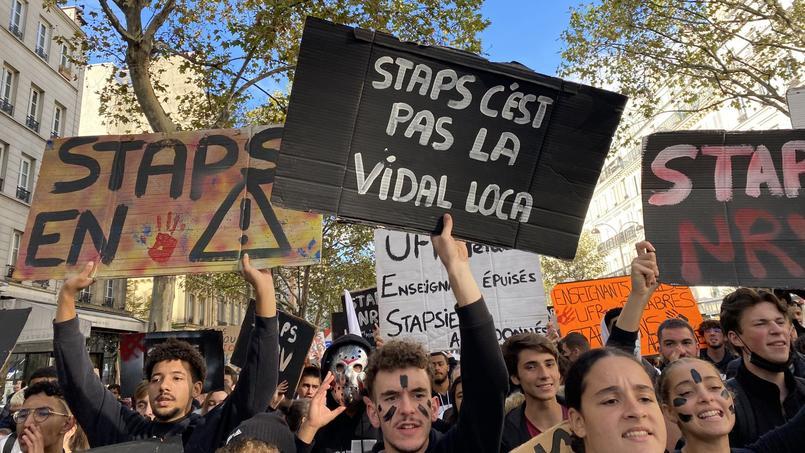 À Paris, des étudiants d'Île-de-France et des représentants de Marseille et Rouen étaient présents.