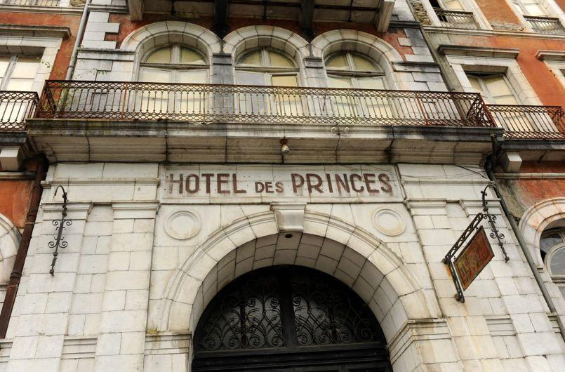 FRANCE-ARCHITECTURE-HERITAGE-TOURISM-THERMAL-JUSTICE-AUCTION