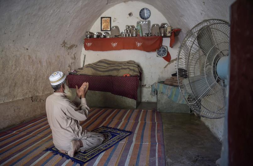 PAKISTAN-ENVIRONMENT-LIFESTYLE-HOME