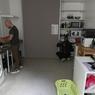 Les résidents disposent également d'une grande pièce pour préparer les repas. Les propriétaires financent les frais d'aménagement de la cuisine.
