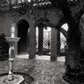 Petite cour intérieure de la villa Serena, dans laquelle a séjourné - entre autres - Édith Piaf durant l'été 1963.