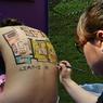 Alors que la pratique des plans peints à même le corps se banalise, les modèles sont de plus en plus dénudés.