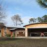 Au Village aéronautique des  lacs, à Biscarosse (Landes), cette sympathique propriété est à vendre.