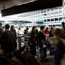 En 2014, LaGuardia a été classé dans le top 10 des pires aéroports au monde en raison de la propreté et du personnel inhospitalier.