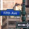 Indétrônable depuis l'an dernier, la 5e avenue new yorkaise a vu ses tarifs grimper de 3,6% à 33.812 euros/m²/an.