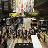 A Hong Kong, Causeway Bay reste un géant du luxe, n°2 mondial mais les loyers y ont reculé de 13,9%.