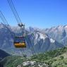 Un téléphérique devrait permettre dans quelques années de relier le domaine de l'Alpe d'Huez à celui des 2 Alpes.