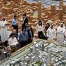 Journalistes et officiels lors de la présentation publique du projet Jumeirah Central.