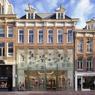 Tour de force du cabinet MVRDV pour réaliser cette boutique Chanel à Amsterdam. Pour se distinguer sans dénaturer l'architecture historique des lieux, le magasin a opté pour une façade en brique transparente. Primé dans la catégorie «magasins», mention extérieur.