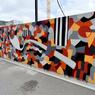 Brian Caddy a voulu rendre hommage à l'architecte des immeubles Pléiade et Odyssée, Jean Nouvel, en reprenant les couleurs chères à l'architecte international.