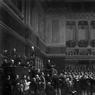 Ovation au libérateur du territoire Adolphe Thiers à la séance de la Chambre des députés à Versailles le 16 juin 1877