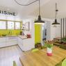 L'escalier permet de desservir l'intégralité des pièces à vivre. cette pièce est d'ailleurs ouverte sur la terrasse. ©Interval Photo