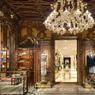 Le palais vénitien Dolce&Gabbana a décroché un prix spécial pour son aménagement intérieur dans la catégorie boutique.
