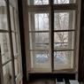 D'immenses fenêtres avec vue sur la Seine (et accessoirement sur le trafic).