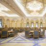 La salle à manger du palais impressionne par son architecture d'intérieure orientale et ses 700 fauteuils de style classique.
