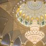 Dans la salle du Conseil Suprême se trouve l'immense dôme de 60m de hauteur. Le double vitrail bombé aux couleurs des paysages d'Abu Dhabi, a été un défi pour Xavier Cartron et son équipe. Avec un diamètre de 37m, le dôme surpasse celui de la Grande Mosquée Cheik Zayed d'Abu Dhabi.