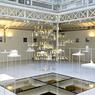C'est au cœur de la verrière du showroom de RBC, dessinée par Jean Nouvel, que sont exposées les maquettes des projets de Sou Fujimoto.