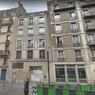 3 rue de l'Aqueduc dans le Xe (immeuble du centre) : bouche de ventilation de la RATP - seul le 1er étage est factice
