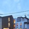 Toujours en Ile-De-France, à Meudon (92), cette maison atteste de la complexité à créer une construction en hauteur dans un terrain exigu. C'est chose faite grâce aux architectes de BM architectes!