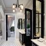 Une salle de bains digne d'un hôtel de luxe. Le Plaza reste une des résidences les plus chics de la ville.