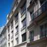 Côté rue, voici l'ancienne école transformée en 24 logements et un local d'activité.