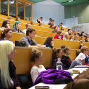 Un rapport veut faire payer les étudiants étrangers jusqu'à 11 000 € par an