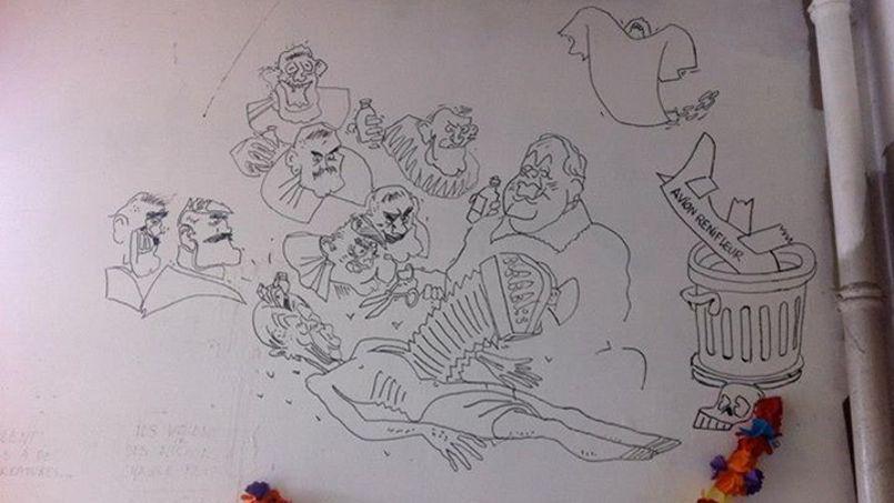 Fresque réalisée par Cabu dans la salle de garde de l'hôpital Raymond-Poincaré, à Garches. Crédits: Facebook